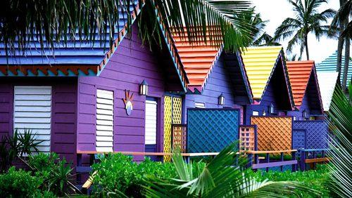 Какой краской лучше покрасить деревянный дом