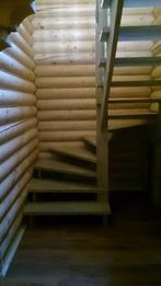 Деревянная лестница (фото 23)