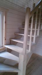 Деревянная лестница (фото 28)