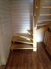 Деревянная лестница (фото 34)